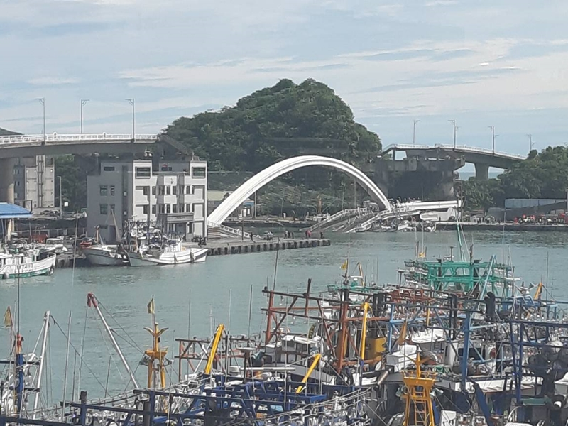 南方澳大橋坍塌
