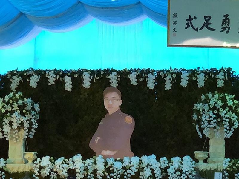 鐵路警察李承翰遭刺殉職