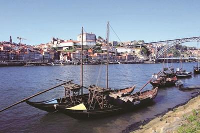 波圖是緊鄰大西洋的港都。