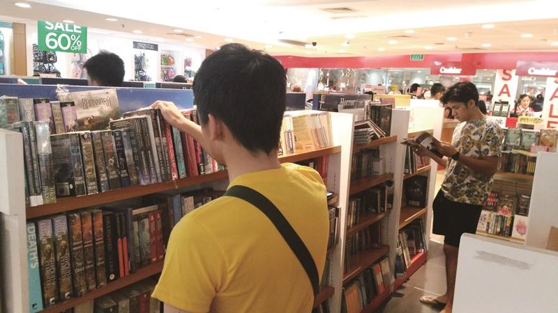 菲國生活環境處處是英語,就連書店裡賣的書也多是英文書。
