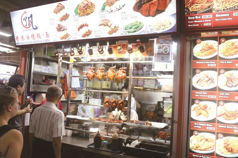 獲米其林一星的香港油雞飯麵,讓新加坡小販文化揚名全球。