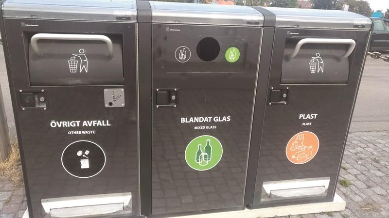 回收箱標示清楚。