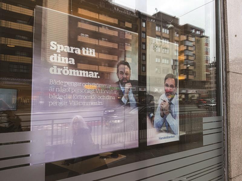 瑞典商業銀行廣告「和我們簽訂合約實現您的夢想」。