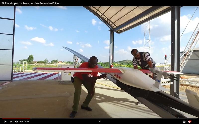 盧安達與無人機公司Zipline合作,運送急救藥物等醫療用品。