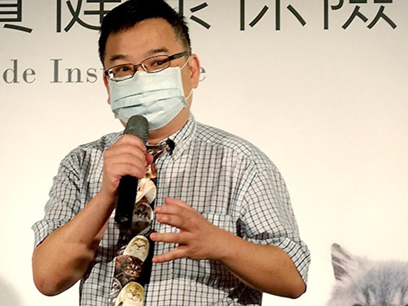 中華民國獸醫師公會全國聯合會理事長譚大倫看好貓醫療市場。(中央社楊淑閔)
