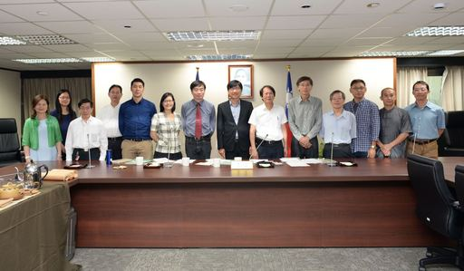 產學技術聯盟合作計畫(產學小聯盟)成果發表會展前記者會合影。