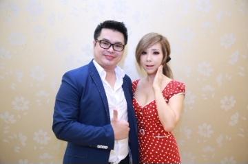 李文燿(左)要把鄭多燕(右)健身產品帶進台灣