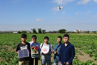修平科大林振漢老師與學生架設趕鳥系統