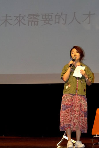 陶晶瑩勉青年學子多閱讀強化IQ。