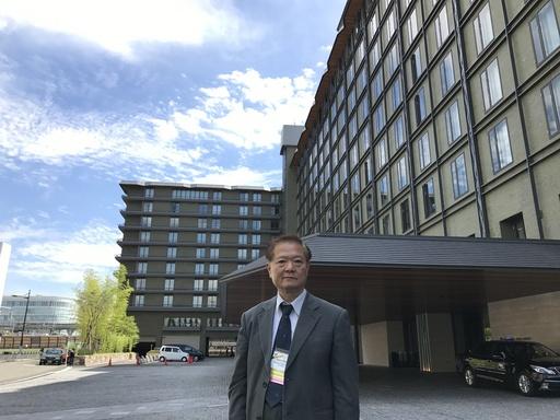 交大電子莊紹勳教授於「2017IEEE VLSI Technology and Circuits Symposium」國際會議現場