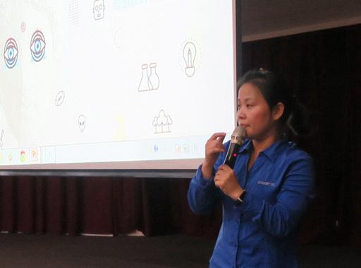 技嘉教育基金會專案理師黃惠玥,以「設計趨勢」為題演講。