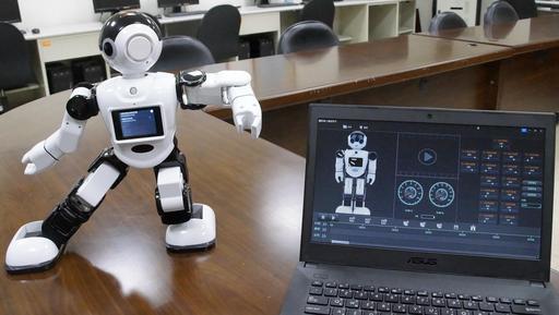 精卡科技公司將提供該公司智慧機器人的軟體開發套件(SDK)給聖約大資工系師生,用於開發機器人的應用程式