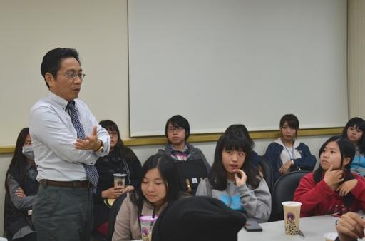 由屏東科技大學國際財經金融學程洪仁杰主任帶團進行企業參訪