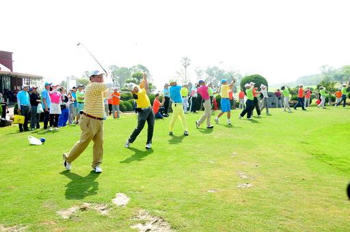 揮出愛心  靜宜大學主辦「第15屆全國EMBA高爾夫球聯誼賽」  5月18日登場