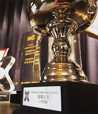 龍華科大學生創業團隊「光穹遊戲」,《螢幕判官》勇奪「台灣原創遊戲大賞」獨立開發者組優勝獎。
