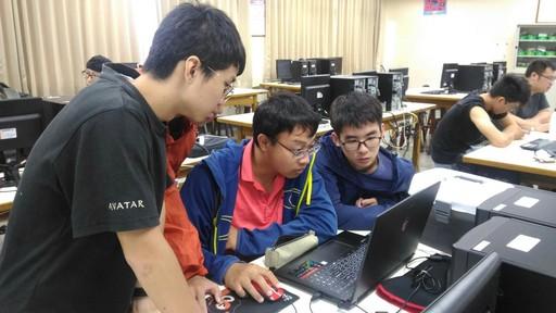 研習營吸引來自中南部大專校院學生熱烈參與