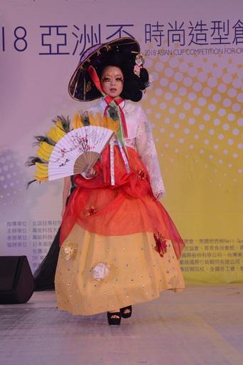 韓國選手展現韓國特有美學的造型