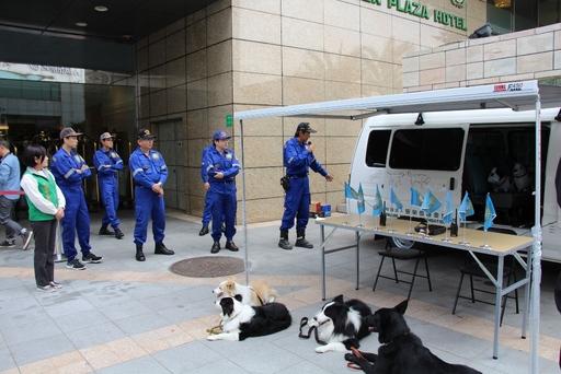 台灣精英國際搜救協會解說救災專車各項功能