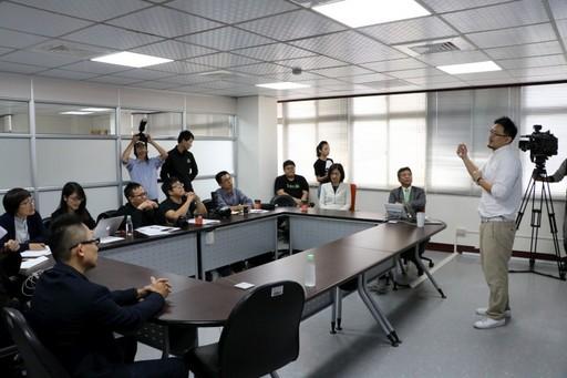 中國醫大附設醫院採用亞洲首台NVIDIA DGX-2說明會.jpg