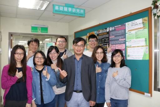 謝佳宏教授研究團隊榮獲今年第十五屆國家新創獎。