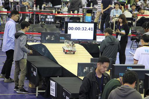 東京威力科創機器人大賽全台三十強機器人挑戰競速關卡