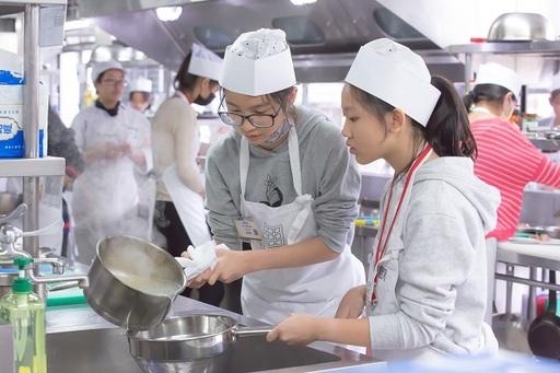 今年主廚盃共有163組選手參加,以「記憶中的味道」為題,找尋最初的料理記憶。