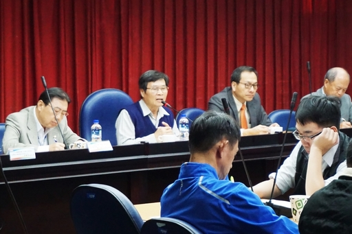 副校長林博正(後排左二)表示:虎科大接下來會努力突破任何問題,培養符合產業期待的專業人才。