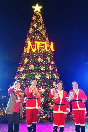 九公尺近三層樓高象徵虎科大NFU的耶誕大樹