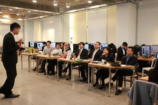 中信金融管理學院本次舉辦「程式創客發表大會」,校內專業教授群紛紛傾力指導,為此次豐碩成果挹注不斷活化創新的強勁動力,更實踐中金院培養國際智慧金融人才的目標