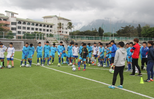 韓籍教練赴花蓮美崙國中指導足球營
