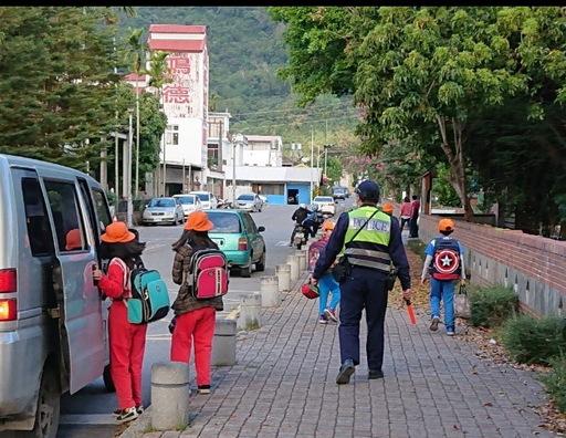開學囉!台東關山警護童「校方感心、學童安心、家長放心」!
