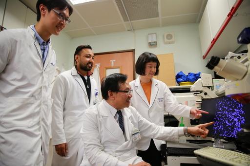 眼科研究中心主任蔡榮坤帶領研究團隊積極投入細胞治療,盡快讓有眼疾的民眾有新的治療選擇