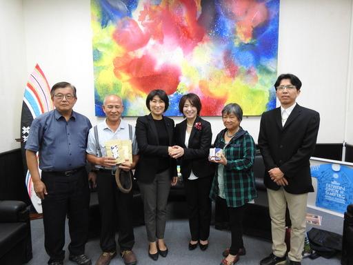 日本市場通路商選定台東茶產品 縣長饒慶鈴為農民創富