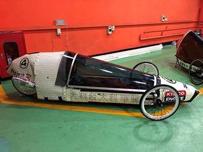 龍華科大省油車隊「Project R」,車殼以回收的鋁百葉窗簾編織打造,榮獲最佳創意設計獎。