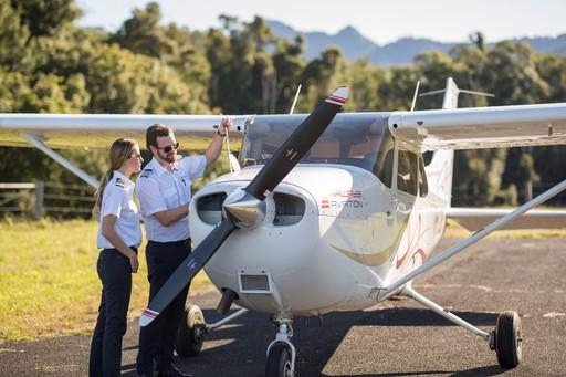 飛行機師需求有多少? 自訓機師如何達到目標?