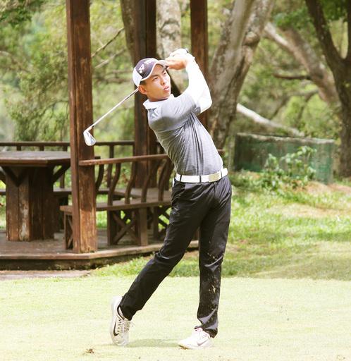 城市科大學生呂孫儀高球賽在7天內2度封王奪冠,成國際焦點。