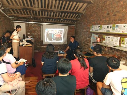 全美戲院吳俊誠經理分享早期珍貴電影資料。