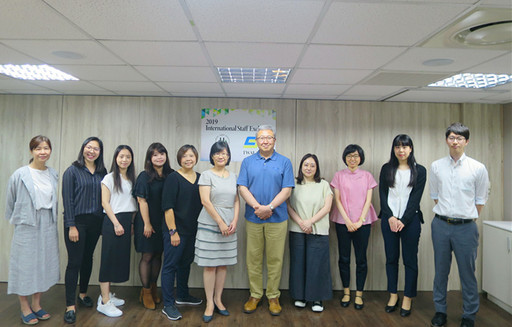 日本公益財團法人大學基準協會(JUAA)與社團法人台灣評鑑協會(TWAEA)全體交流人員合影