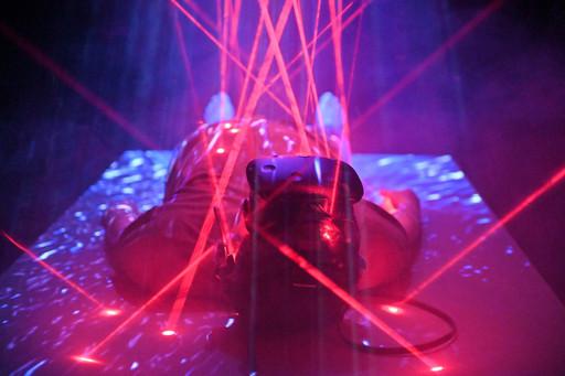 NAXS Corp.〈XR-XATA 躰-02〉帶來VR互動將展場空間用視覺無限延伸。
