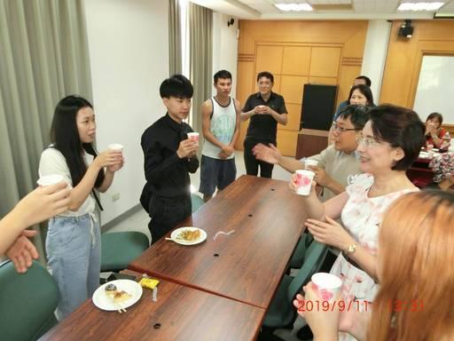 景文科大為境外生舉行中秋佳節聯歡餐敘活動。