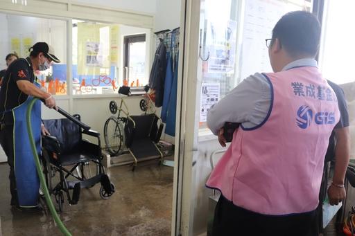 業成基金捐贈低壓送風器材,讓輔具清潔後的乾燥工作更有效率,也讓消毒清潔的效益最大化