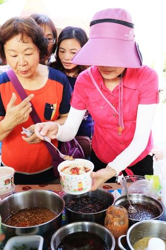 里港信國社區雲南涼粉節 美食產業展特色