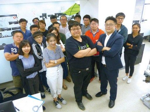 黃宗祺執行長帶領國際成員組成的研發創新團隊。