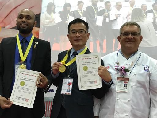 宏國德霖科大休閒事業管理系顏瑞棋老師帶領學生參加「2019 Artisan Festival韓國國際技能人大賽」榮獲「觀光伴手禮設計」金牌。