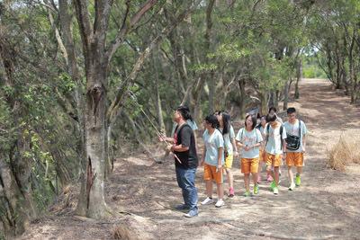 大葉大學生資系學生為高中職學生導覽環境生態