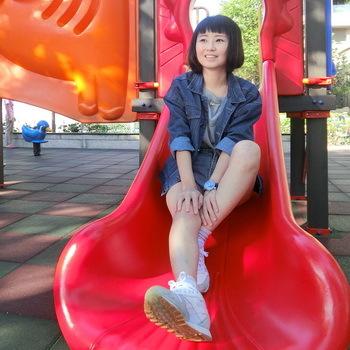 任職於龍騰文化的李小姐畢業後為能夠順利與業界職場需求接軌,報考TQC+專業證照補足自我設計能力。