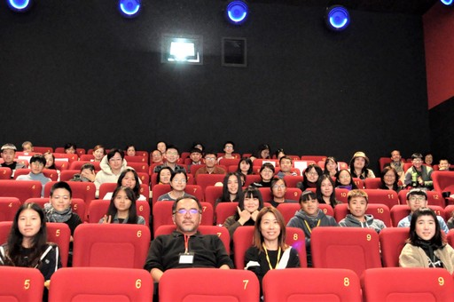 工作人員與講師及觀眾大合照
