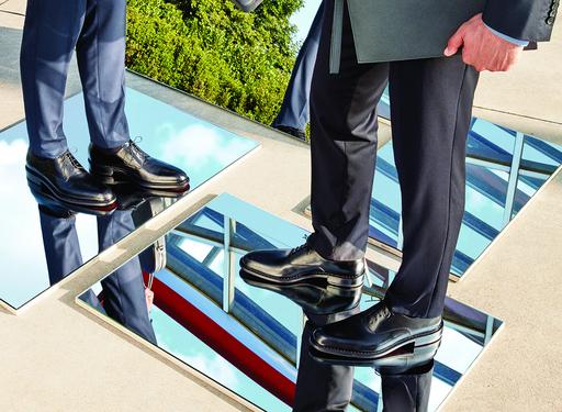 a.testoni黑牌手工鞋,讓顧客輕鬆體驗義大利製造的精湛工藝和品味。