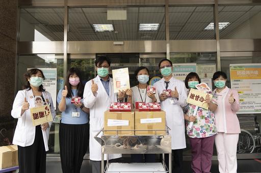 圖說:基隆醫院林慶豐院長(左三)、羅景全副院長(右三)