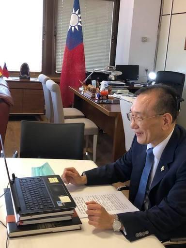 劉大使接受專訪